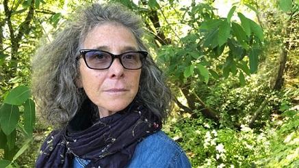 Margo Perin, escritora : 'Mi padre era un temido gánster y me obligó a operarme la nariz a los 13 años'