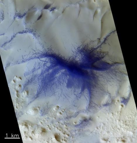 Para conmemorar el tercer aniversario de la llegada de la sonda ruso-europea Trace Gas Orbiter a Marte, la agencia ESA publica unas fotos en 3D del planeta rojo