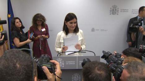La ministra Montón, sentenciada por Pedro Sánchez que ya busca sustituto.