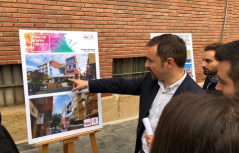 El alcalde de Lorca sigue apostando por la construcción de un centro de ocio juvenil en el solar de la antigua Comisaría de Policía Nacional
