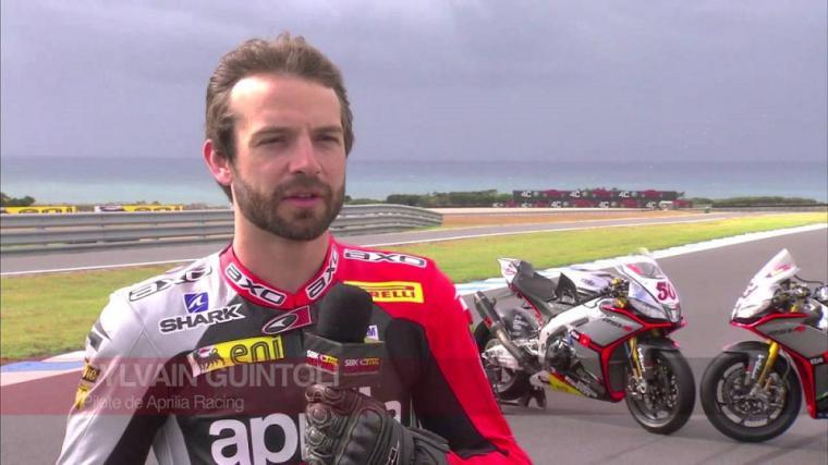 Suzuki rueda en Jerez con su probador Sylvain Guintoli