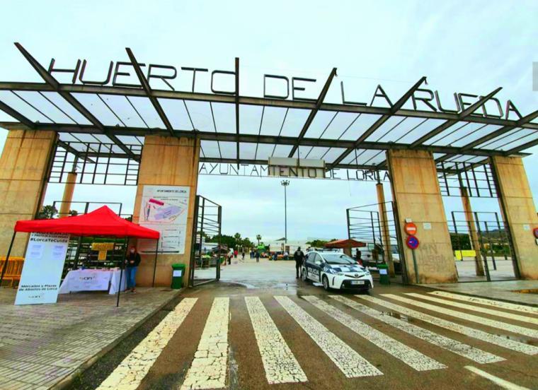 El Mercado Semanal del Huerto de la Rueda amplía su aforo máximo hasta 200 personas desde este jueves 28 de Mayo de acuerdo a la entrada de Lorca en la fase 2 de desescalada