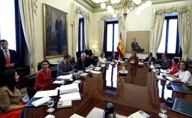 La Mesa suspende a los cuatro diputados independentistas presos con el voto en contra de Podemos