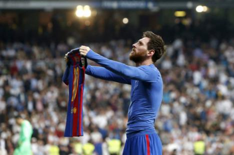 Un Real Madrid muy superior, golea al Barcelona a pesar del árbitro.