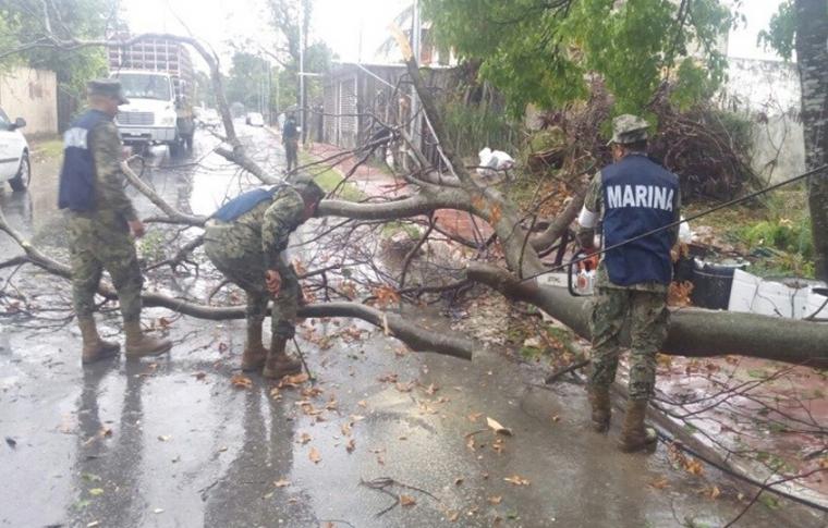 En los estados de Quintana Roo y Yucatan se preparan para la llegada de la tormenta tropical Michael