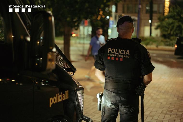 Una mujer ha sido detenida en Barcelona por cortarle el pene al hombre que intentaba abusar de ella