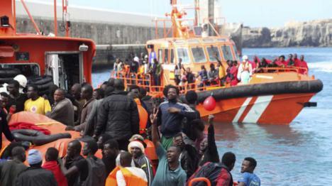 Rescatada una patera en aguas de Tarifa