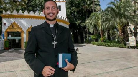 Ni médico, ni psiquiatra, ni obispo exorcista.