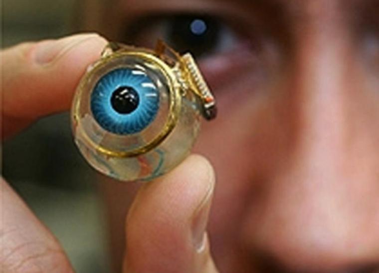 Los ciegos podrán ver gracias a un ojo biónico
