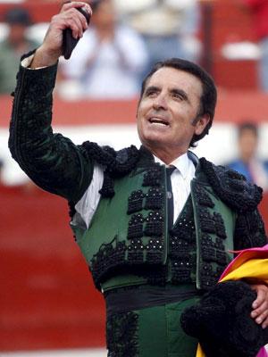 Ortega Cano vuelve a vestirse de luces.