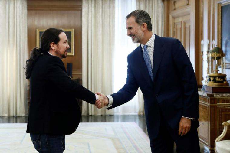 Podemos: 'La única manera de desvincular a Juan Carlos I de Felipe VI y de la Jefatura de Estado es un referéndum'