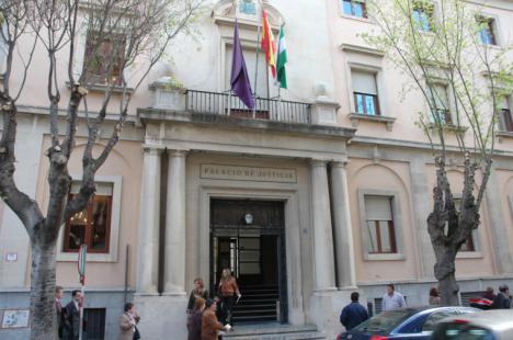 Dos años y medio de cárcel y multa de 6.720 euros para una pareja ubetense que vendía droga en su domicilio