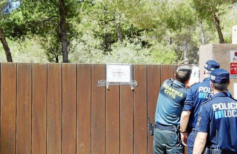 No consiguen que derribe una parte de su mansión porque la sentencia que la condenaba a su derribo por realizar obras ilegales está redactada en catalán