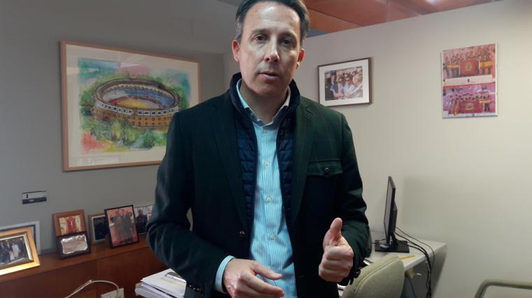 Fulgencio Gil exige que se inicie la construcción del parque en el Barrio de San Cristóbal y la cesión de la parcela para el nuevo Centro de Salud
