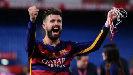 Piqué renueva con el Barça