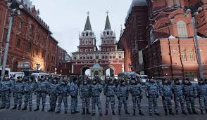 Cien mil personas evacuadas ayer en Rusia por una ola de falsas alarmas de bomba.