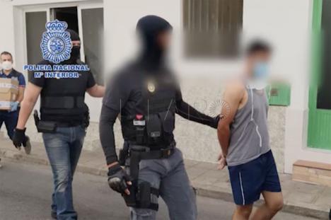Detenidos 28 miembros de una organización que se encargaba de introducir migrantes en pateras