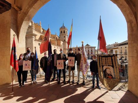 Los jóvenes de las cofradías de Semana Santa organizan junto al Ayuntamiento y el Consejo de la Juventud una exposición para conmemorar la Procesión de Papel 2021