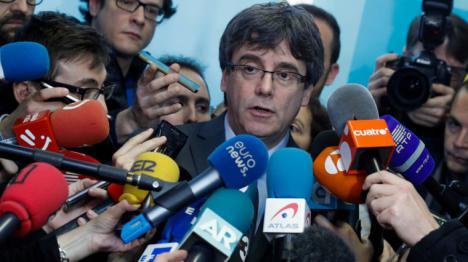 Puigdemont lanza un órdago y dice que acudirá al Parlament para evitar la impugnación