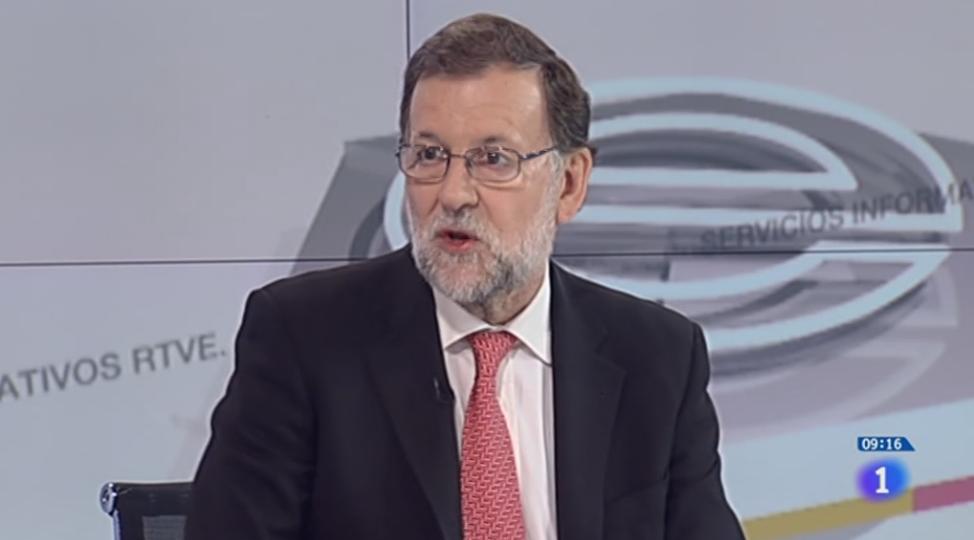 Casado llama a Abascal preocupado por el interrogatorio de Vox a Rajoy en el Supremo