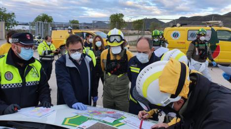 El Alcalde de Lorca recibe a las brigadas forestales que realizan tareas de desinfección en la ciudad