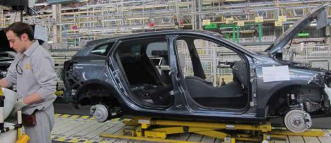 Renault y Fiat Chrysler negocian una fusión al 50% de ambas firmas