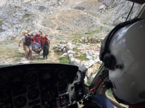Rescatado un montañero de 55 años tras resultar herido mientras ascendía un pico en Cantabria