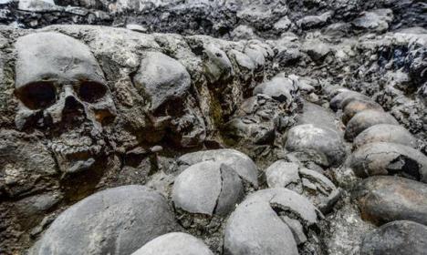 DESCUBREN LOS RESTOS DEL MÁS MISTERIOSO DE LOS SACRIFICIOS HUMANOS AZTECAS
