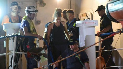 Atentado del gobierno italiano a la dignidad: El fascista Salvini ordena la policía que detenga a la capitana del Sea Watch 3