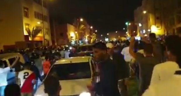 Los saharauis toman las calles del centro de El Aaiún para protestar contra las ocupación marroquí