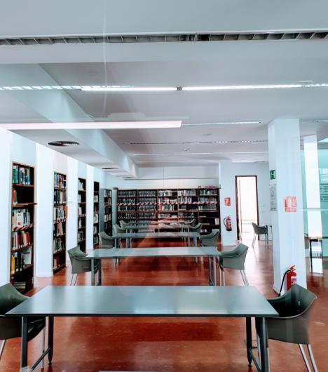 Con la entrada en la fase 3 reabre sus puertas la sala de estudio de la Biblioteca municipal 'Pilar Barnés' de Lorca