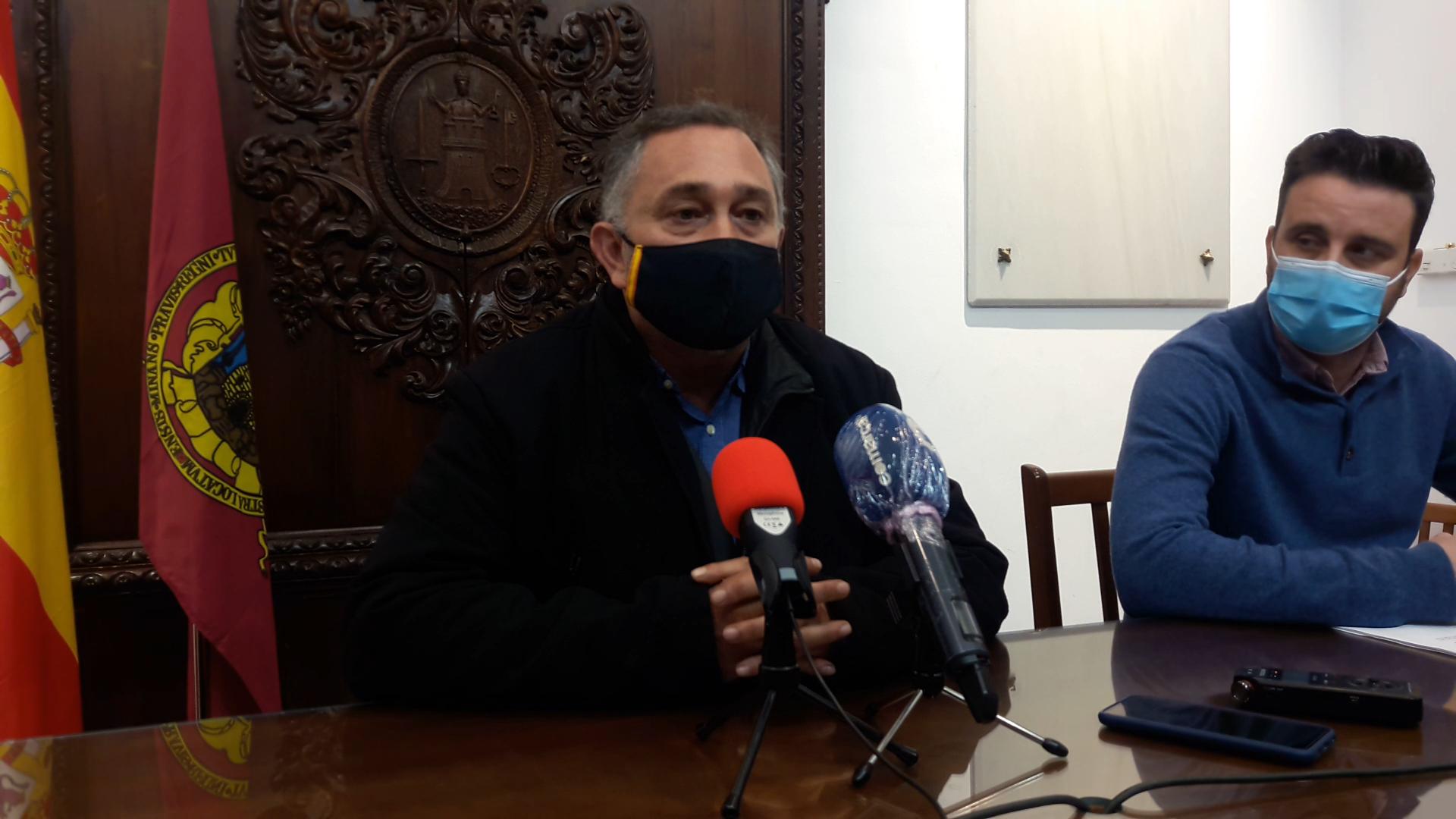 """Según el PP, el alcalde socialista de Lorca excluye otra vez a los concejales de los grupos municipales de un acto institucional en el Ayuntamiento: """"es de vergüenza ajena"""""""