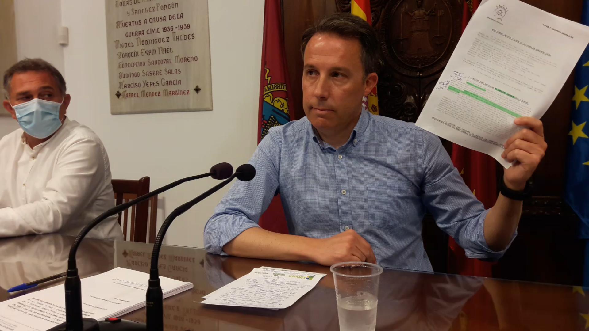 """Fulgencio Gil califica de """"agresión brutal contra los ganaderos"""" la moción aprobada por el actual Alcalde para suspender la concesión de cualquier tipo de licencia a todos los tipos de ganadería"""