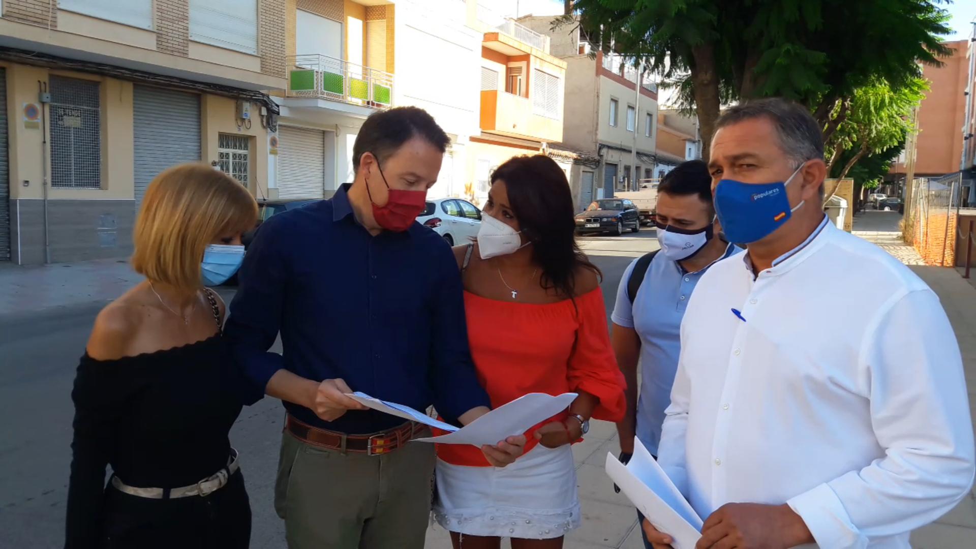 El alcalde del PSOE suprime sin previo aviso ni informar a los vecinos los fondos para la renovación urbana del Camino Viejo del Puerto y calles adyacentes