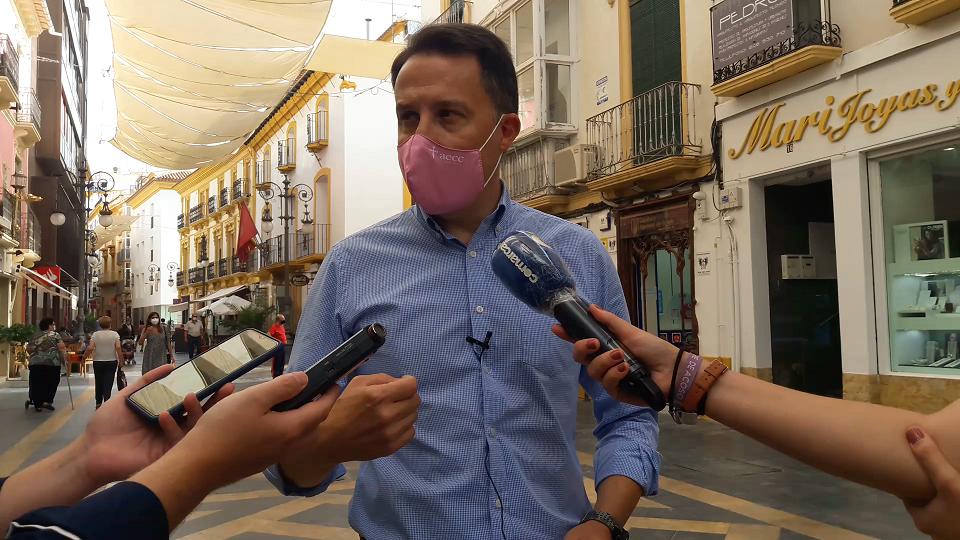 Fulgencio Gil logra el respaldo de todos los partidos, y los comerciantes y hosteleros recibirán una línea municipal de ayudas directas de hasta 2.000 euros