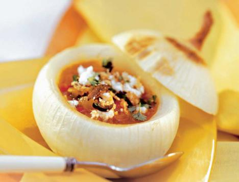 Sopa de cebolla dulce con queso de cabra