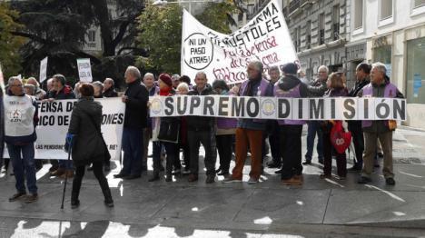 Pedro Sánchez, corrige al Tribunal Supremo y asegura que cambiará la ley para que la banca pague el impuesto de las hipotecas