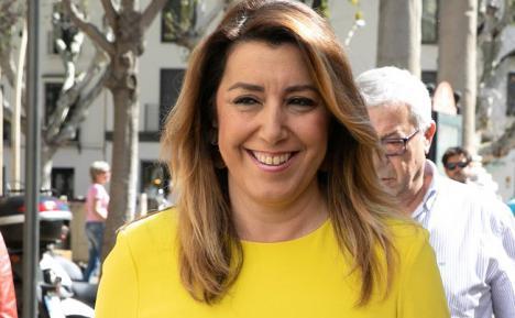 'Susana Díaz, el Domingo de Ramos y su amarillo independentista', por Claudia Moreno