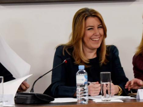 Como los separatistas catalanes, también Susana Díaz desobedece al Tribunal Constitucional