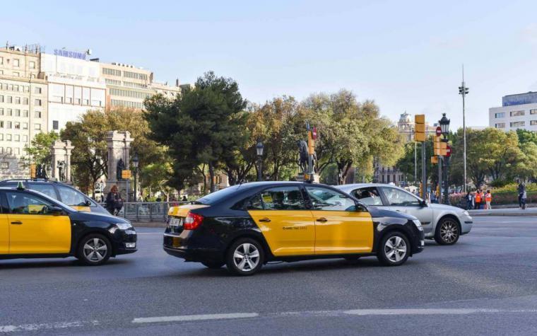 Unos taxistas de Barcelona evitan la agresión sexual a una joven de 22 años