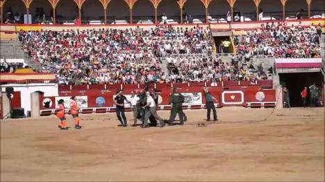 Un guardia civil herido en Toledo durante una exhibición al caer desde un helicóptero.