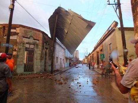 Un fuerte tornado se ceba con La Habana