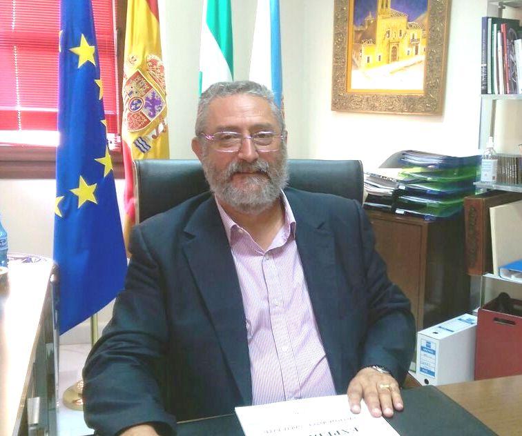 Francisco Torrecillas, hoy banquillo doble