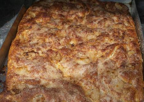 Torta de manteca y chicharrones