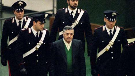 Totó Riina, el 'capo de los capos' que dirigió la mafia siciliana de la Cosa Nostra,ha muerto a los 87 años