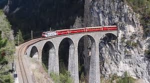 Ir en tren para visitar la Sierra de Guadarrama.