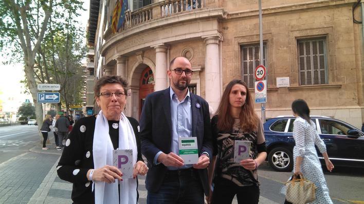 Podemos propone una ayuda de 900 euros a víctimas de violencia machista