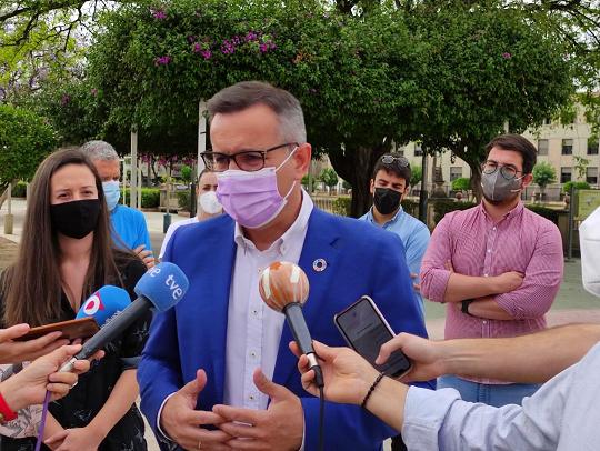 """Diego Conesa: """"López Miras ha metido en el Gobierno regional a una Consejera de Educación que niega el matrimonio entre personas del mismo sexo"""""""