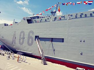 """""""Ganando Barlovento"""" recibe a la dotación del nuevo buque de transporte logístico de la Armada """"Ysabel"""" (A-06), un nombre femenino y castizo, ligado a la libertad e igualdad"""