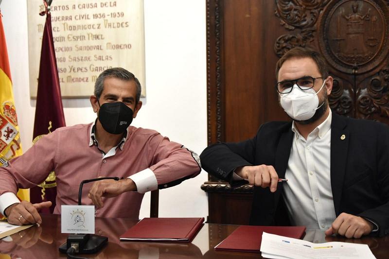 """El Ayuntamiento de Lorca firma con Campoder la recepción de dos ayudas para el desarrollo de mejoras en el Parque de """"El Consejero"""" y el fomento del autoempleo en las pedanías del sur"""